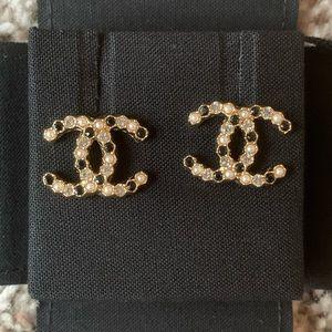 Crystal Pearl CC Gold Metal Earrings